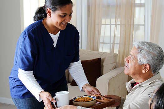 Ways to Encourage Aging Adults with Alzheimer's to Eat in Oakville, ON