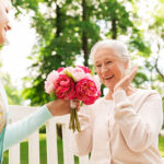 5 Ways to Celebrate Mother's Day with Your Elderly Mom