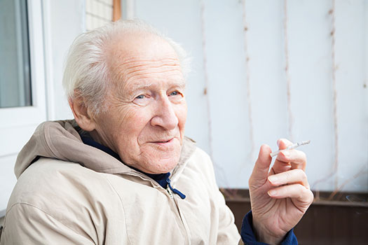 6 Tips to Help Aging Adults Give Up Smoking in Oakville, ON