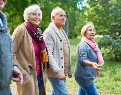 Tips to Encourage Older Parents to Be Socially Active in Oakville, ON
