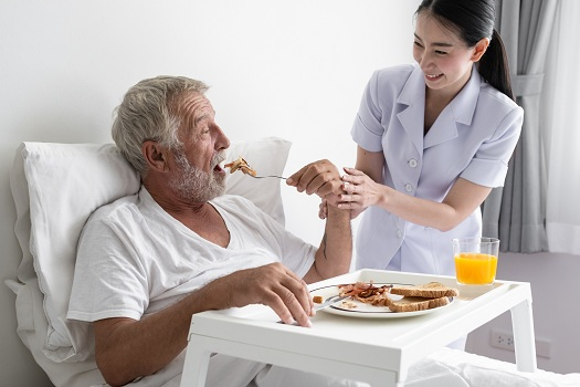Strategies You Can Try When Your Elderly Parent Won't Eat in Oakville, ON